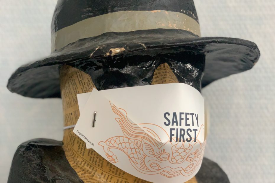 Papiermaske Edition N° 1 – Safety First